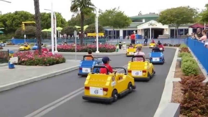 Every kid loves a theme park, right? Add LEGOLAND California to your next family vacation.
