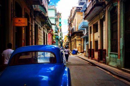 Old classic cars in Cuba