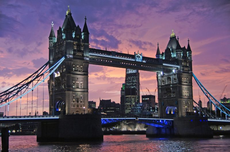 Of all the bridges over the River Thames, London Bridge has the longest history, spanning the divide between the traditional City of London and the more relaxed, creative Bankside.