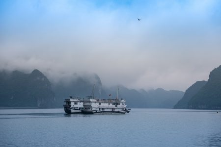 Budget travel guide to Vietnam includes a visit to Ha Long Bay.