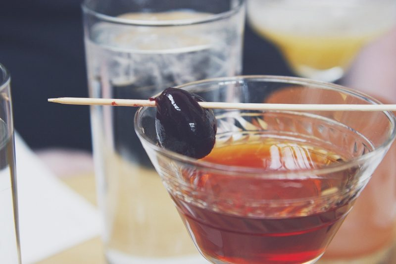 Bourbon cocktail: Eaglewood Maple Manhattan Photo credit: Eaglewood Resort, Chicago.