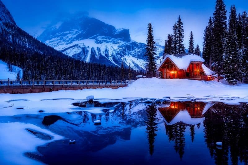 Give your family a snowy christmas holiday with these wintery landscapes in Canada