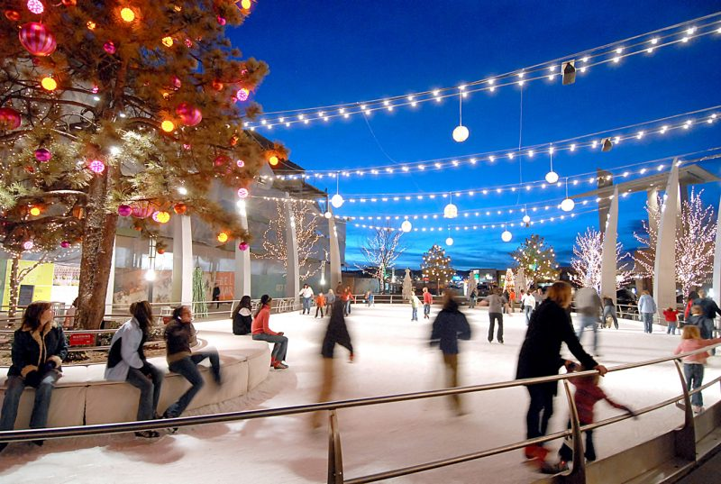 From end of November to mid-February, enjoy free ice skating on the Southwest Rink at Skyline Park each year to celebrate Denver's winter wonderland.