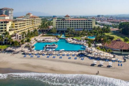 Ready for fun in the sun? Pack your bags for a beach vacation -- and save money, Feb 1- May 31, 2018! Photo: Marriott Puerto Vallarta Resort & Spa