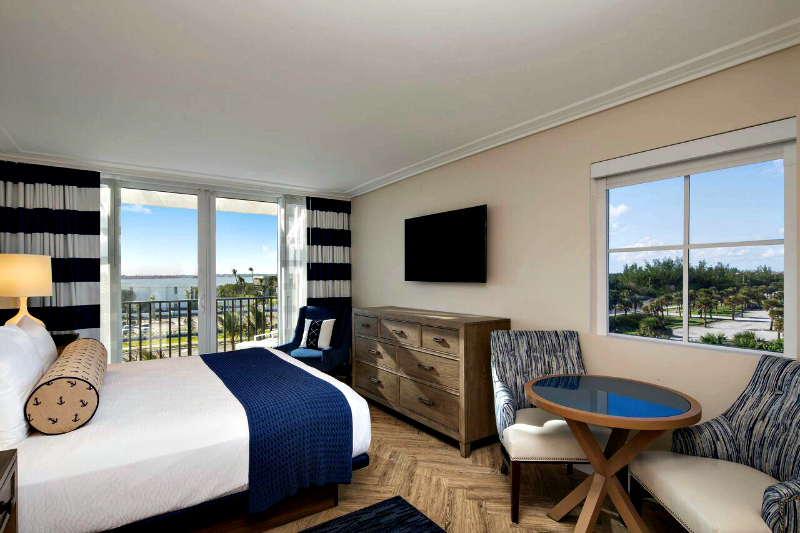 Ready for fun in the sun AND an azing oceanview king bedroom? Photo Credit: Hutchinson Shores Resort & Spa