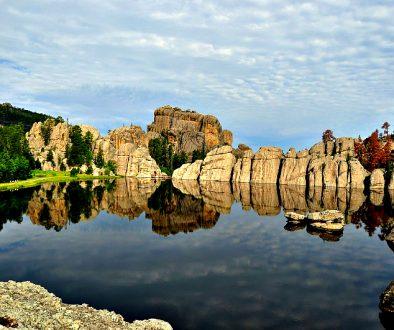 custer-state-park-lake