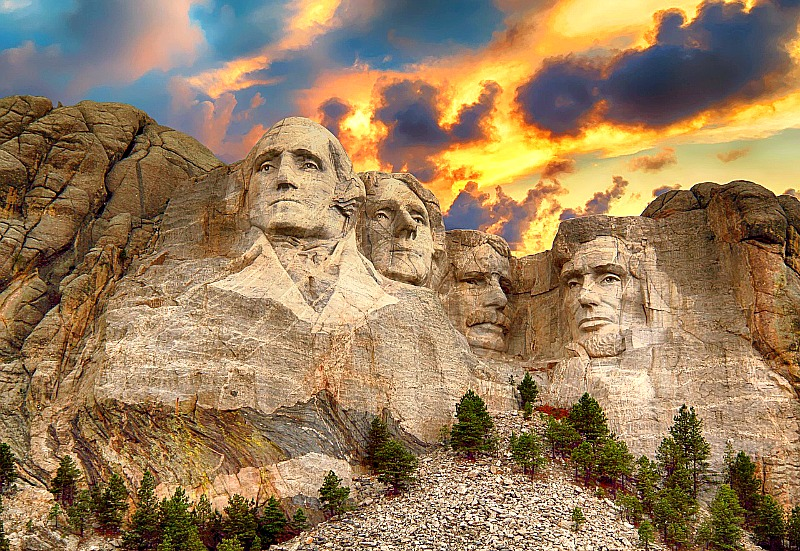 Mount Rushmore is just one of the many cool things to see and do in South Dakota.