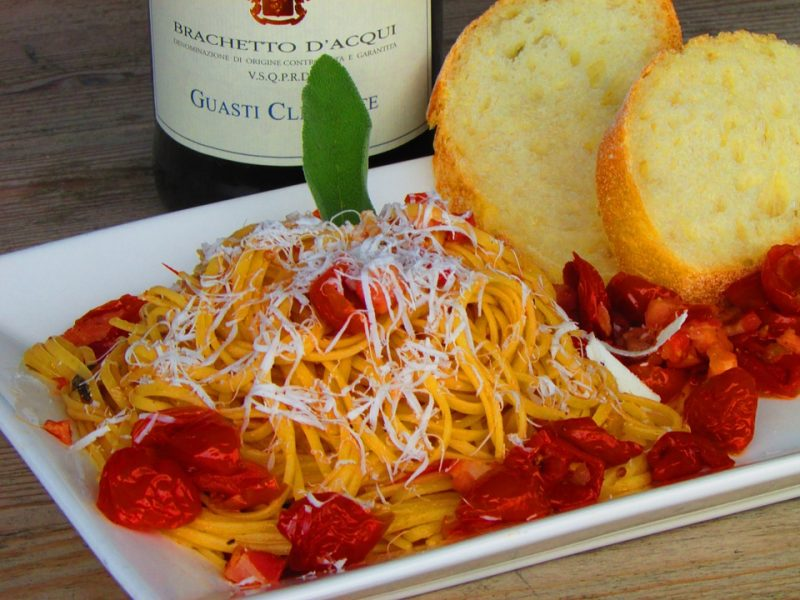 Pair Cabernet Sauvignon, a rich variety of red wine,with tomato-based red pasta dishes.