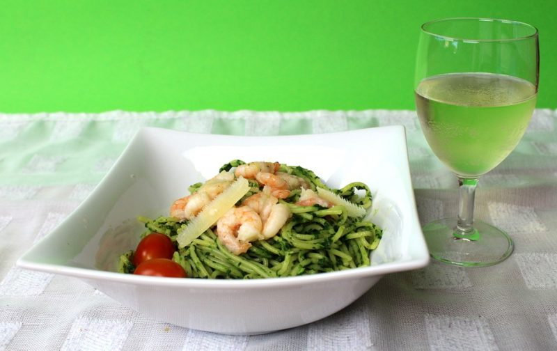 Indulge in Garlic Shrimp Linguine and paired best with a glass of Pinot Grigio wine.