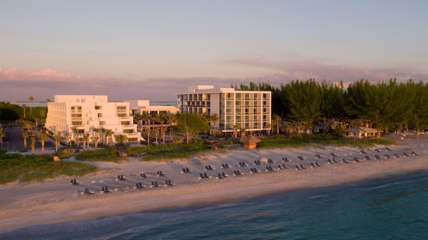 Longboat Key's modern, boutique Zota Beach Resort is beautifully located on the Gulf of Mexico.