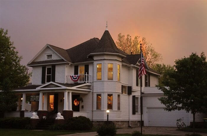 Check into the White Lions Bed & Breakfast with its Victorian charm in an intimate setting and you'll get all that and more.