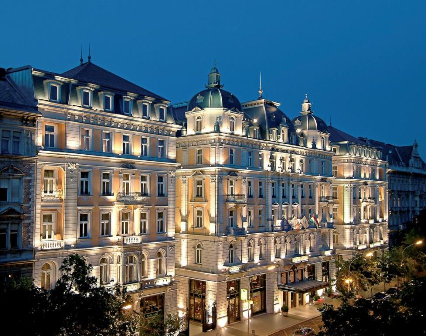 Stay in one of the finest 5 star hotels in Budapest. Formerly the Royal Hotel Budapest, the Corinthia is a 30-minute stroll, 20-minute public transport (short tram or walk to either Blaha Ljusza ter or Oktagon for metro), or 10 minute taxi to the market.