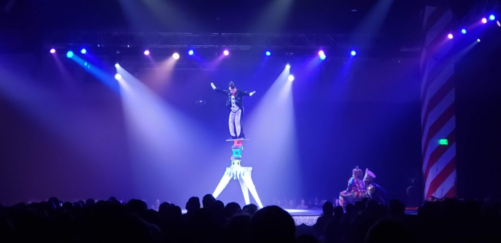 Add the iconic Cirque Dreams Holidaze to your Gaylord Rockies Christmas celebration.