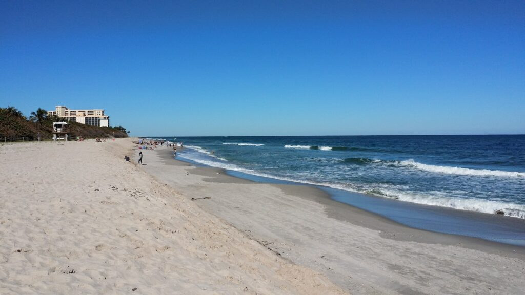 say yes to boating in Florida and this sandy Jupiter Beach