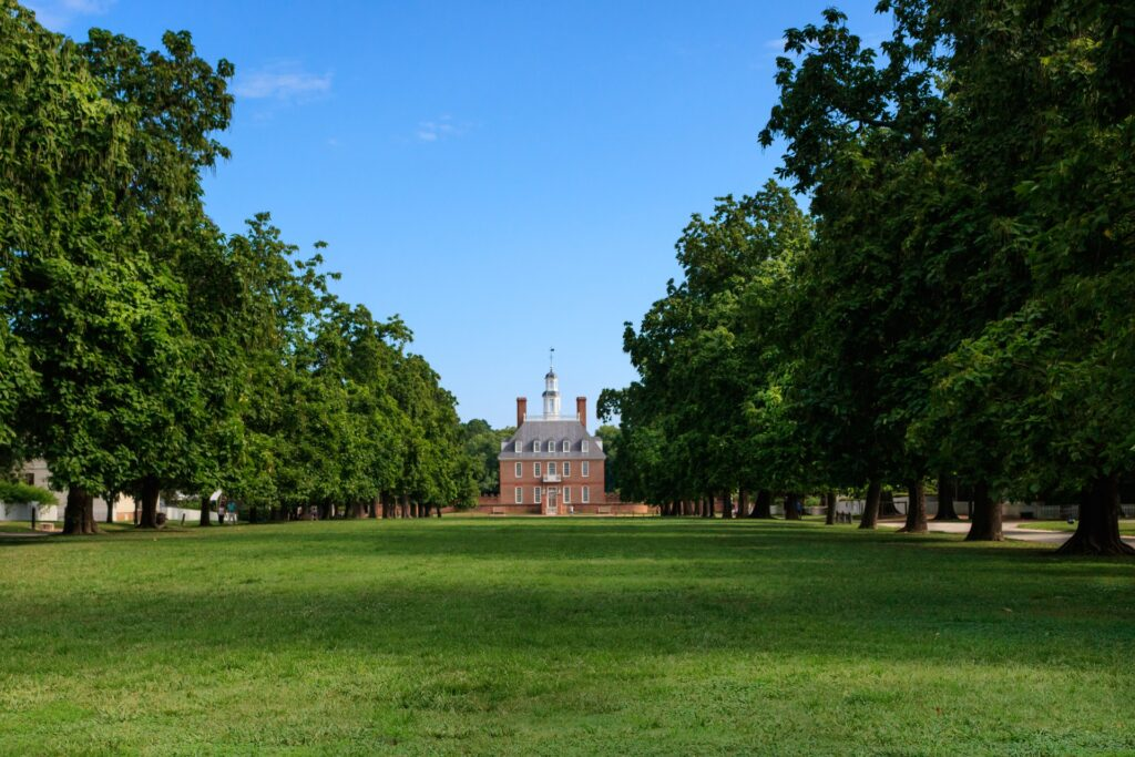 WIlliamsburg, Virginia, is where Colonial Williamsburg, a historic district and living-history museum, is located.