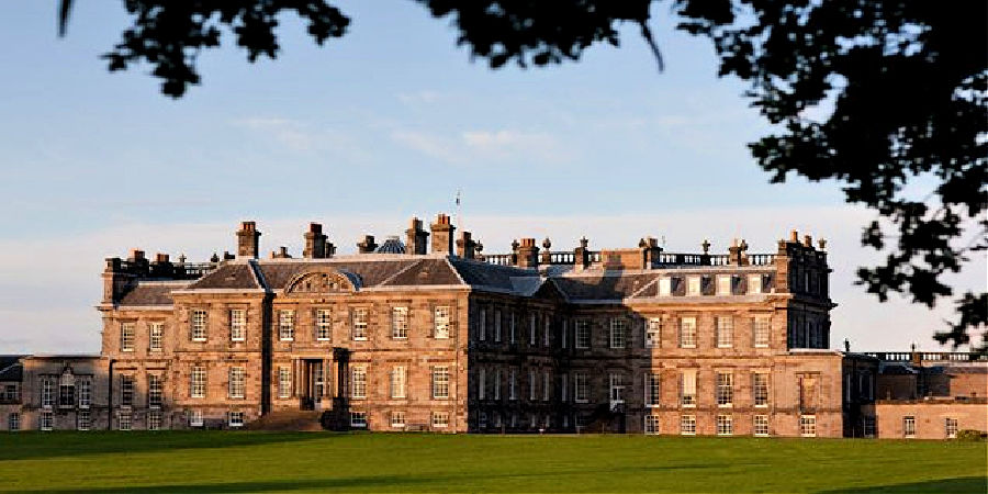 Hopetoun House is widely known as one of the best examples of 18th century architecture in Britain
