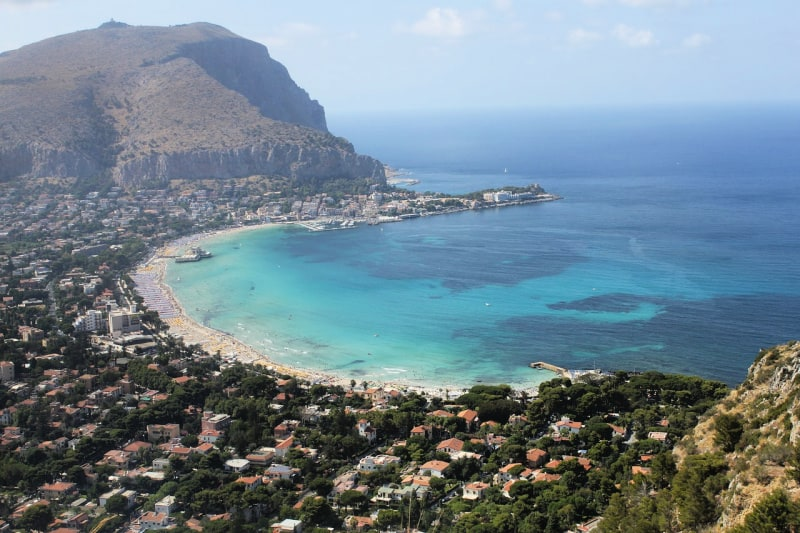 One of the most beautiful coast cities of Italy is Palermo, the capital of the Italian island of Sicily.