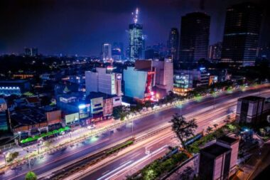 This bustling metropolis and capital of Indonesia offers many luxury hotels in Jakarta